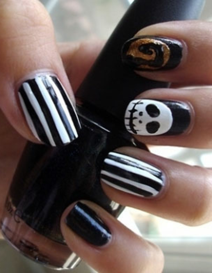 Halloween-Ideen-für-Maniküre-kunst-nagel-schwarz-weiß