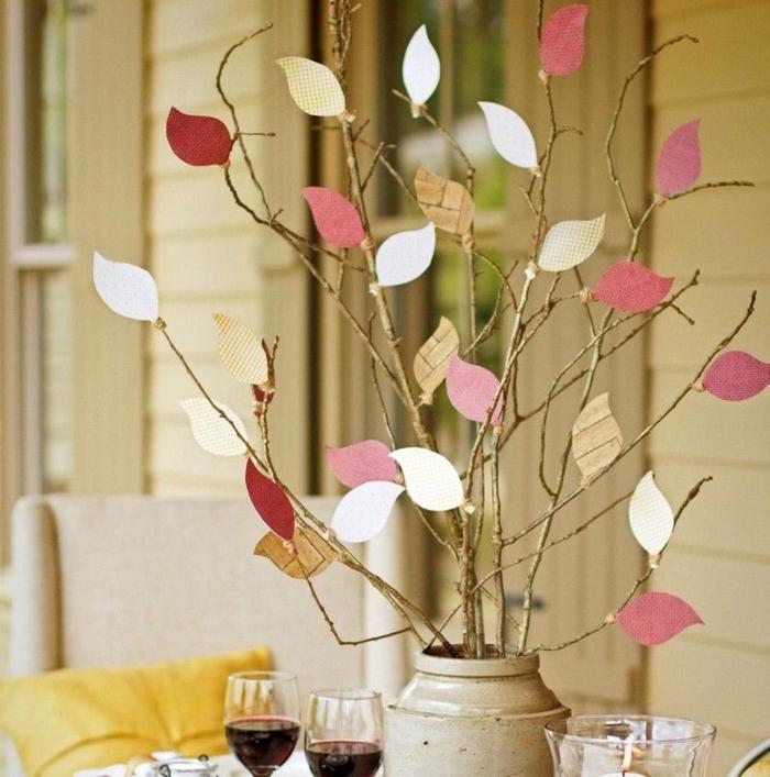 Herbstbasteln-mit-Kindern-vase-blätter