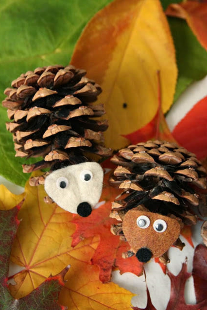 Herbstbasteln-mit-Kindern-zapfen-Igel
