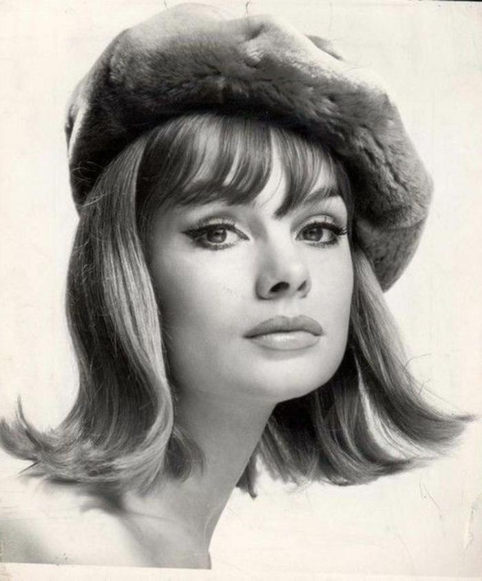 Jean-Shrimpton-retro-schwarz-weißes-Foto-Mütze