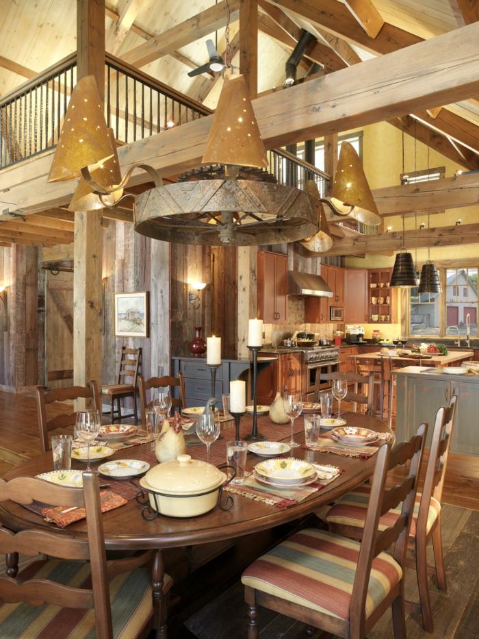 Küche-Esszimmer-moderne-Gestaltung-landhausstil-möbel-Geschirr-Kerzen-antike-Leuchten-gemütliche-Atmosphäre