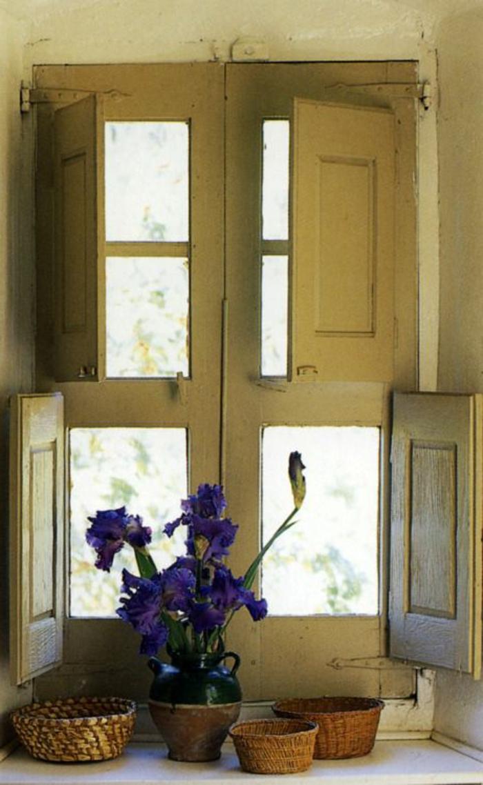 Küche-vintage-Fenster-alte-Läden-Blumentopf