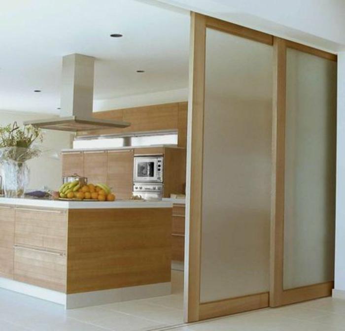 Küchen-Interieur-Holz-Einbaugeräte-Kochinsel-Früchte-Glastüren-mattes-Glas