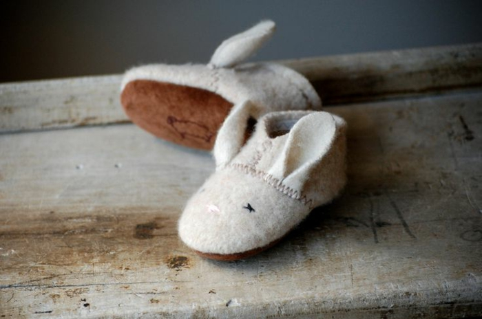 Kinder-Schuhe-Wolle-Hase-Muster