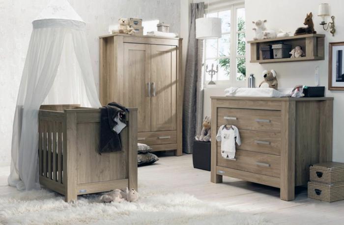 Kinderzimmer-rustikale-Möbel-Kommode-Schrank-Babybett-Baldachin-Plüscchtiere