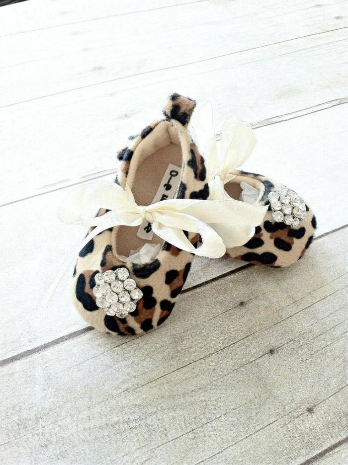Leopard-Baby-Hausschuhe-Steine-Dekoration-Bänder
