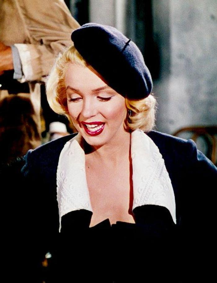 Marilyn-Monroe-Gentleman-Prefer-Blondes-1953-Foto-schwarze-Mütze