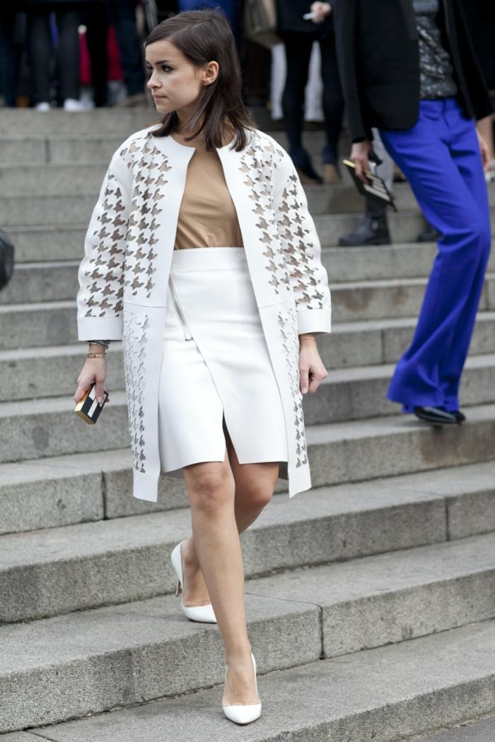 Miroslava-Duma-Mantel-weiß-extravagantes-Modell