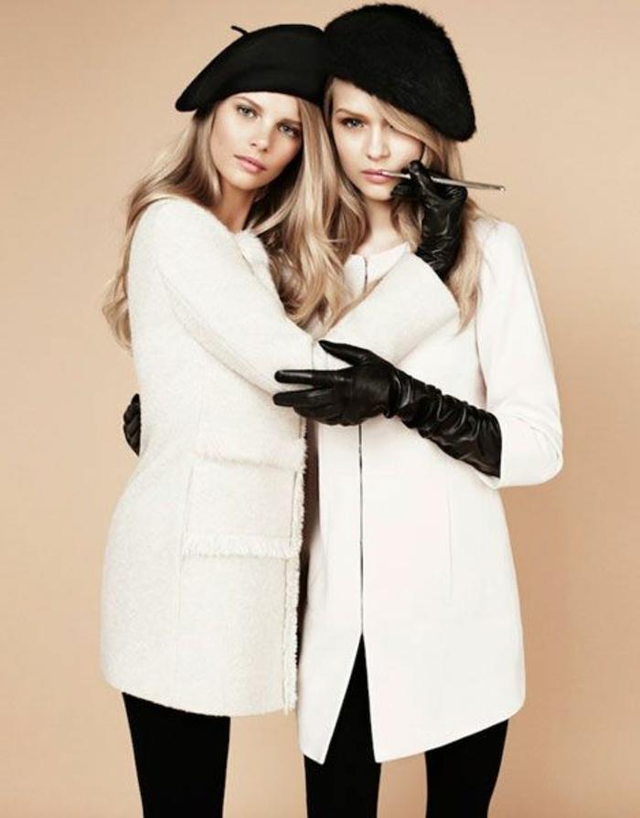 Modelle-Mantel-Creme-Farbe-schwarze-französische-Mützen-schick-kokett