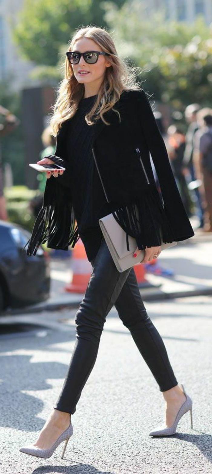 Olivia-Palermo-kurzes-Modell-Mantel-Fransen-schwarz-Lederhosen