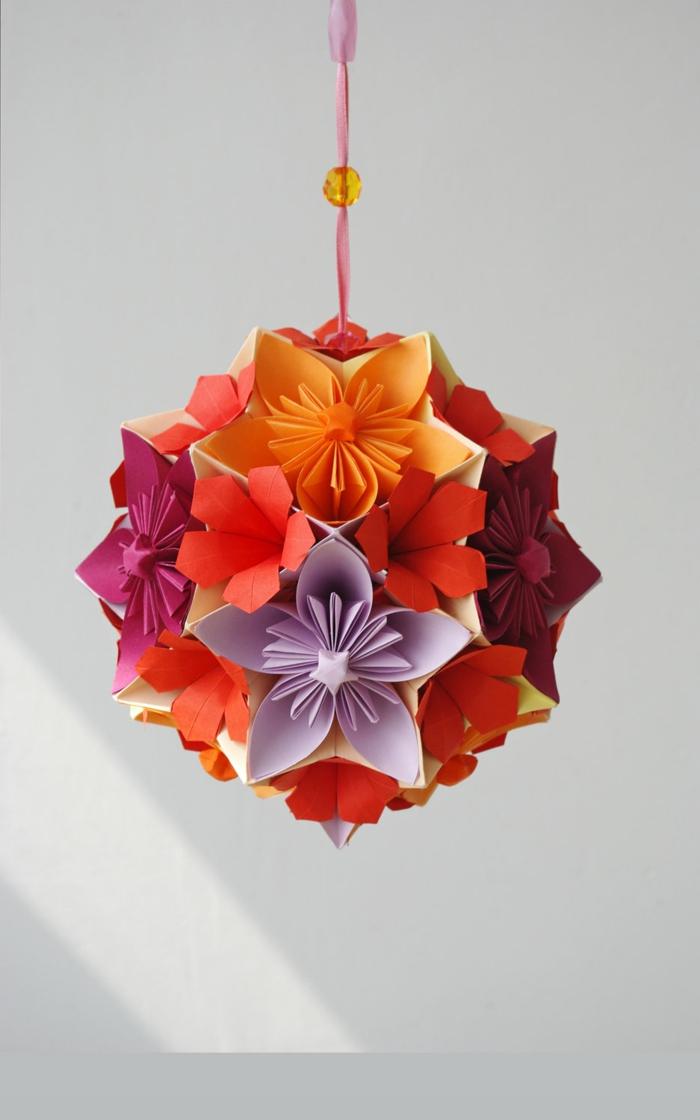 Origami-Blumen-orange-rot-lila-warme-Nuancen-hängender-Ball-Dekoration