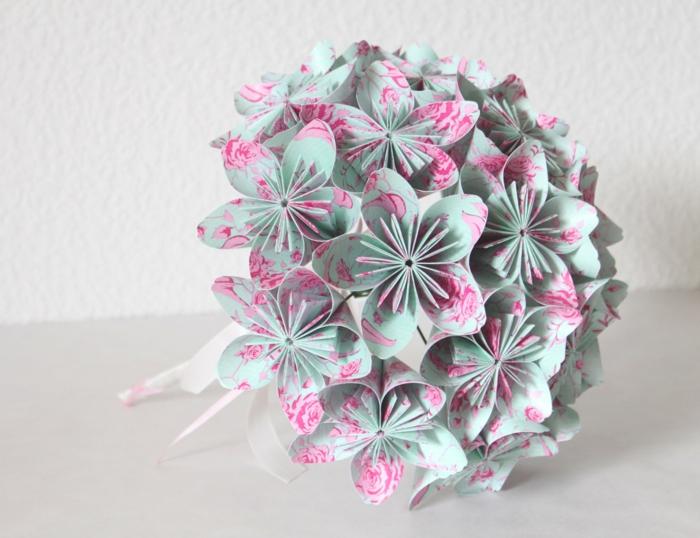 Origami-Strauß-Papierblumen-blau-rosa-romantisch-kreativ