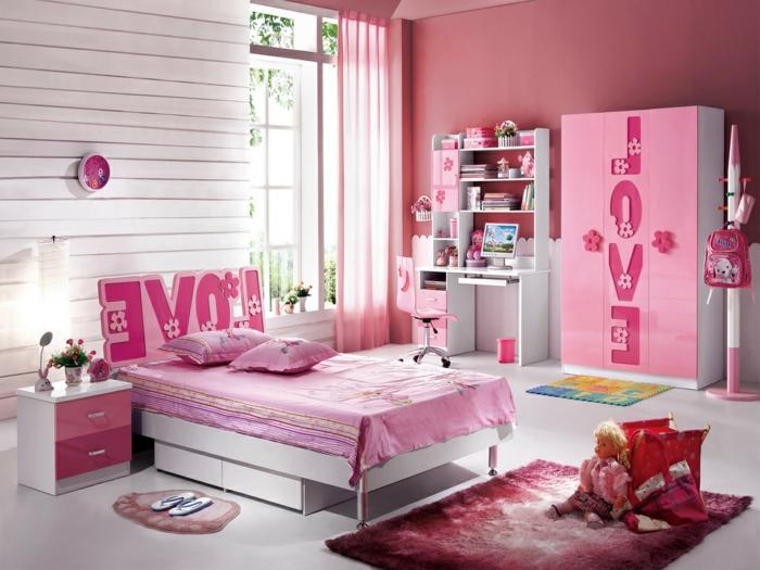 Prinzessin-Zimmer-alles-pink-Designer-Kleiderschrank-Love-Aufschrift-Nachttisch-Regale-Puppen
