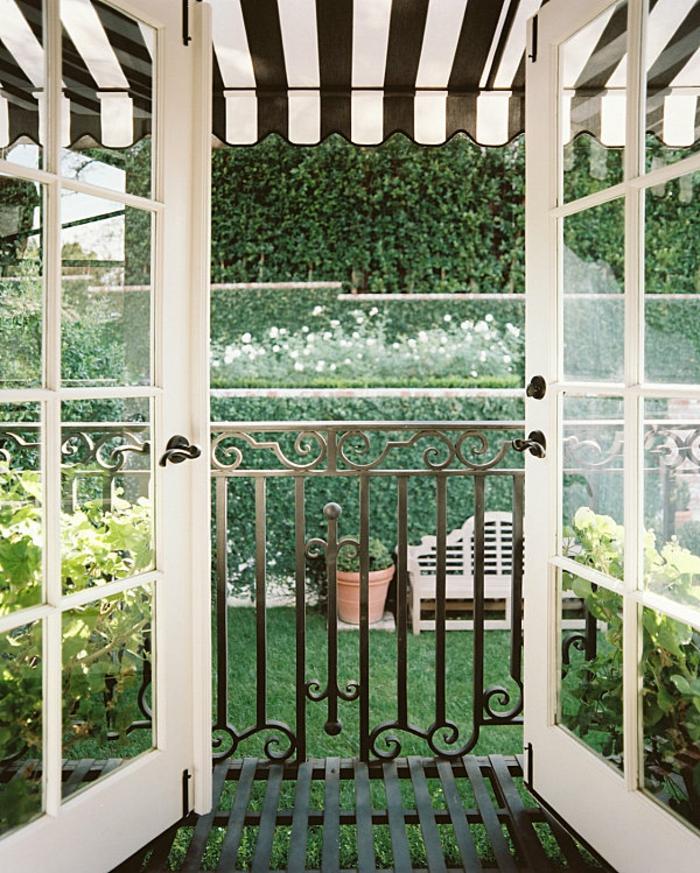 sonnensegel f r terrasse traditionell auch sicht auf dem garten. Black Bedroom Furniture Sets. Home Design Ideas