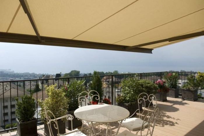 Sichtschutz Fur Terrasse Aus Stoff : Stoff eignet sich als Sichtschutz ...