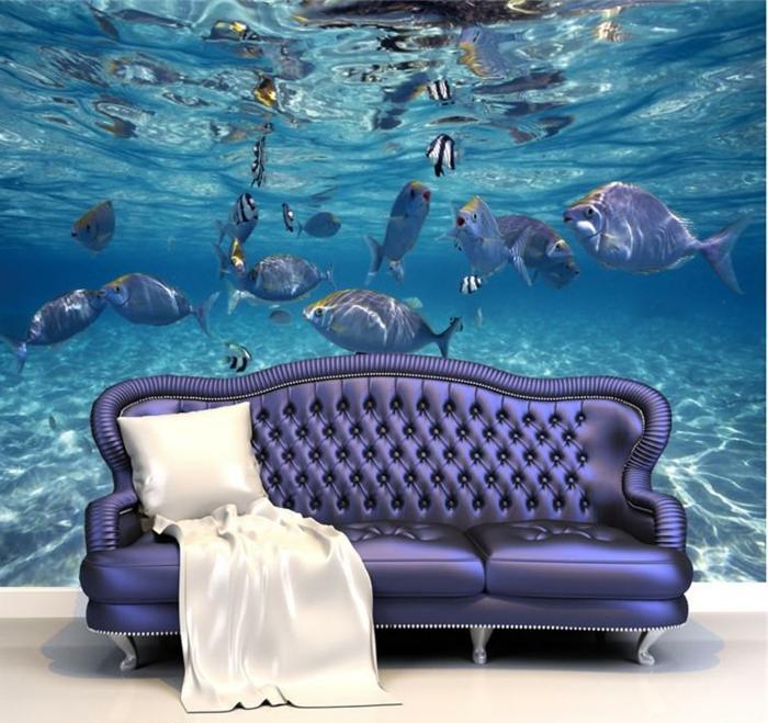 Wandgestaltung-Wohnzimmer-mit-lila-sofa