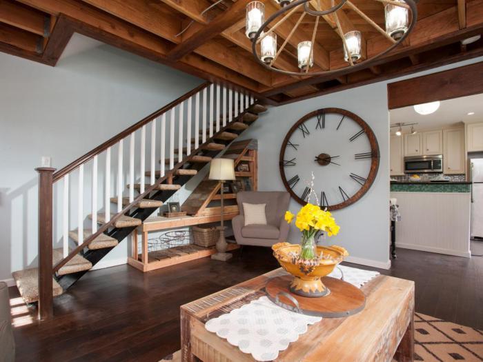 Wohnung-Landhausstil-Treppen-Dessigner-Wanduhren-Modell