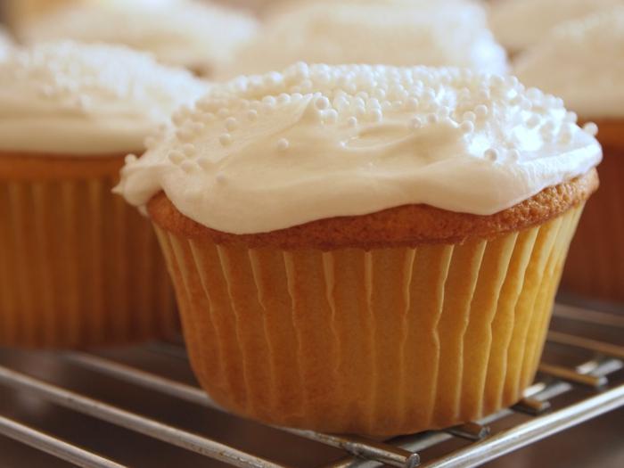 altmodische-Vanille-Cupcakes-dekoration