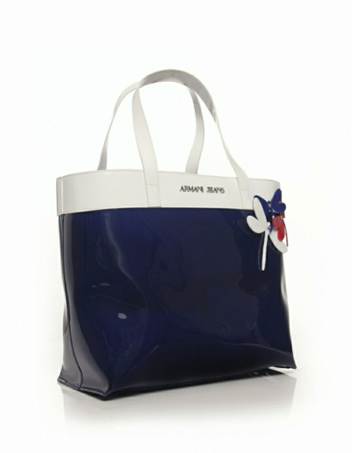 armani-taschen-weiß-und-blau-glanz