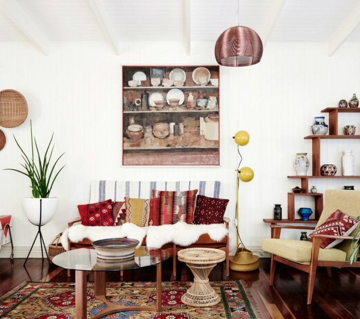 böhmische-Wohnzimmer-Gestaltung-Dekoration-Vasen-Schalen
