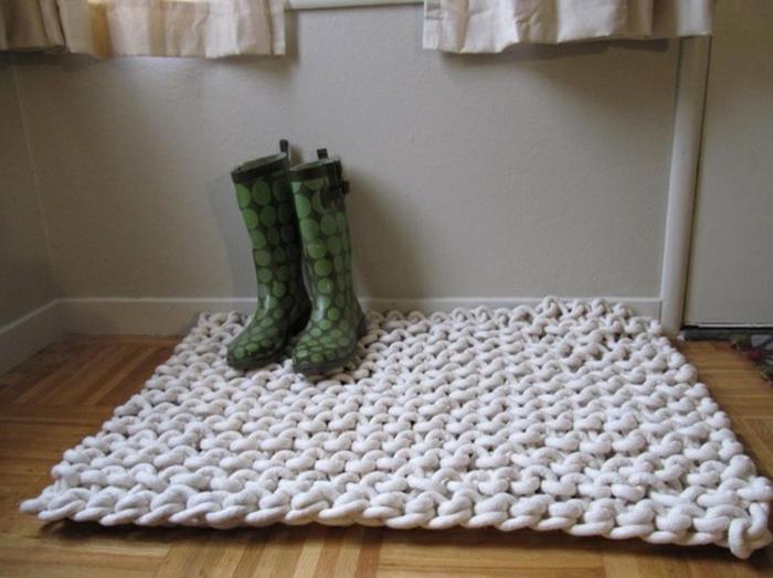 baumwolle-badematte-interessante-weiße-gestaltung