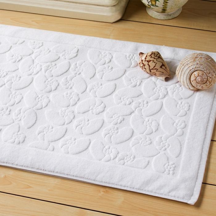 baumwolle-badematte-tolles-weißes-modell