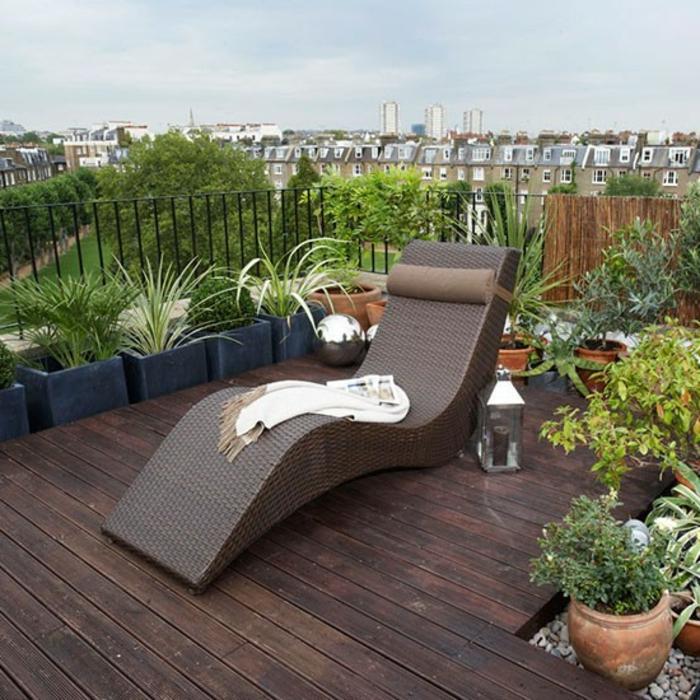 bepflanzung- dachterrasse-rattan-sonnenliege