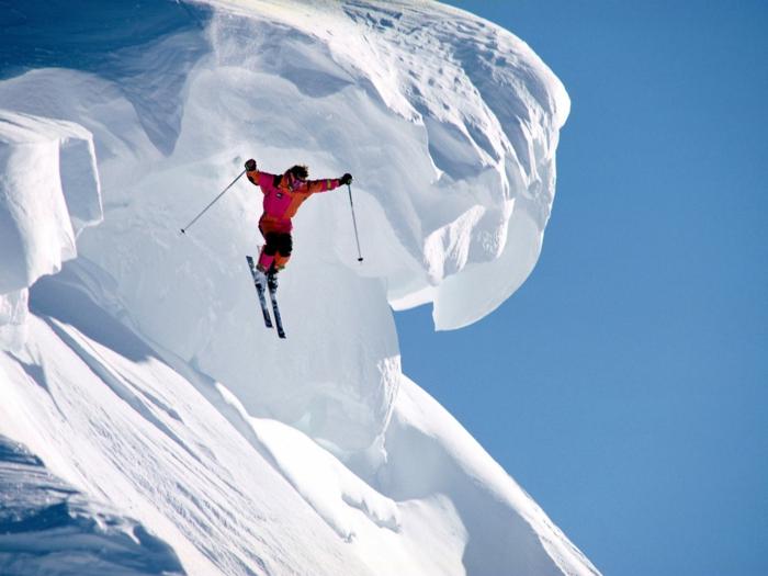 bilder-von-skifahren-himmel-in-blau