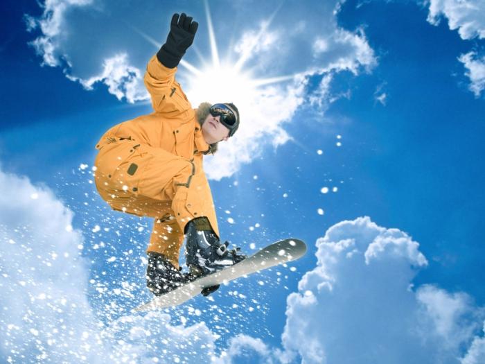 bilder-von-skifahren-oranger-anzug