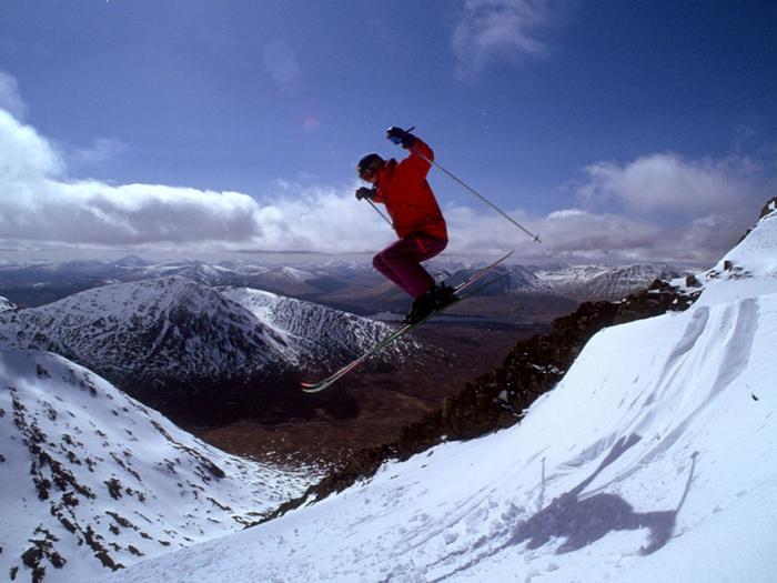 unglaubliche schöne skifahrer bilder - ein hoher sprung