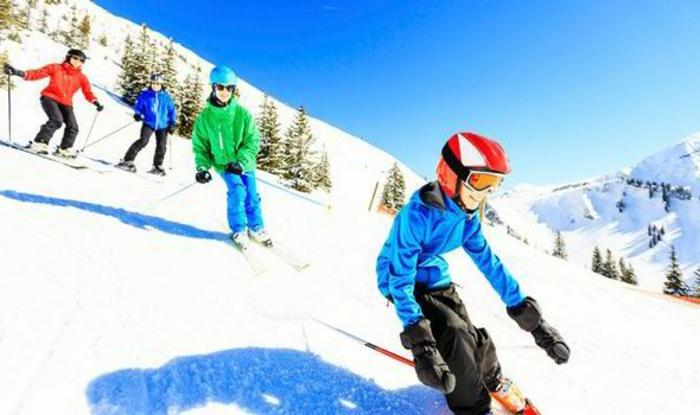 bilder-von-skifahren-viele-leute-haben-spaß