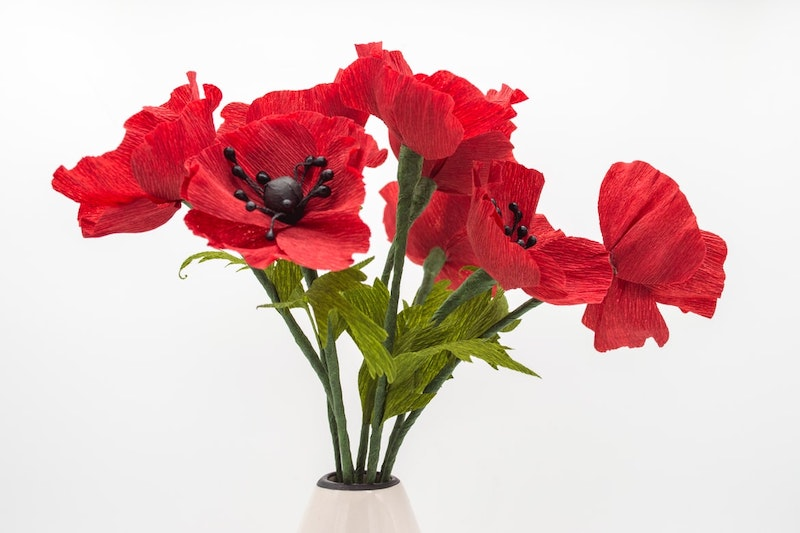 blume aus papier falten rote mohne in vase
