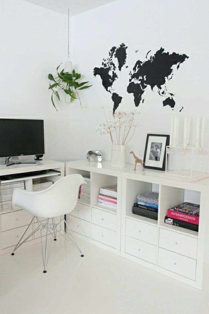 coole-Wandtattoos-Arbeitszimmer-Weltkarte-weiße-Wand