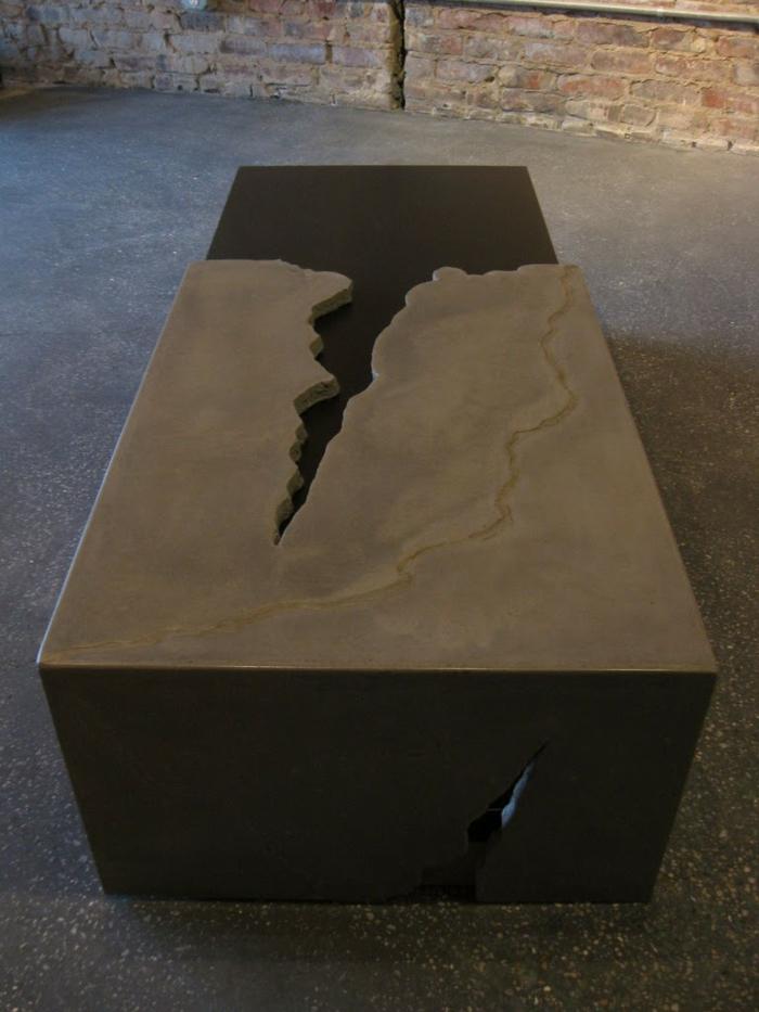 couchtisch-aus-beton-super-interessantes-design