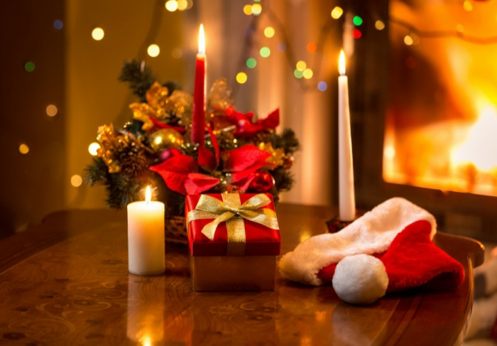 deko-ideen-Weihnachten-Tischdekoration-Kerzen-Geschenk
