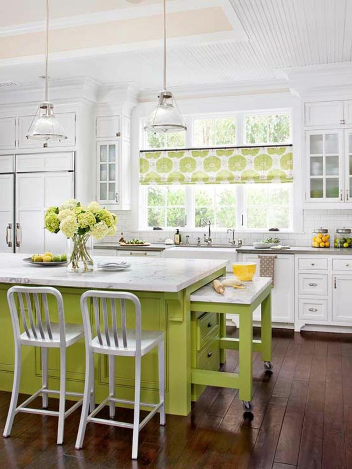 deko-ideen-für-küche-grüne-kochinsel
