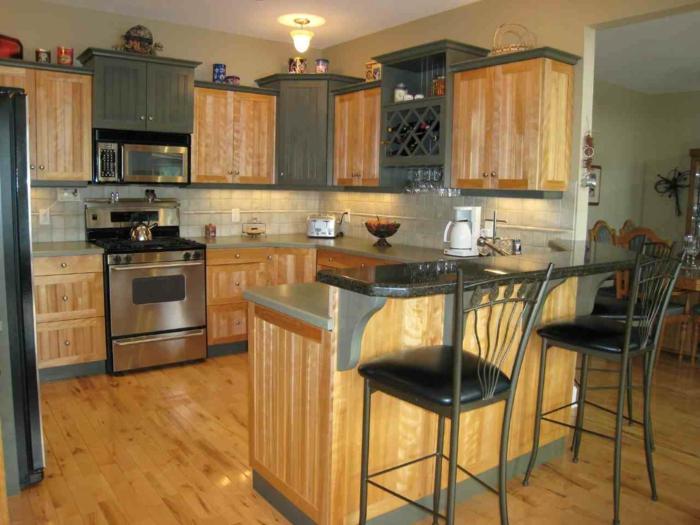 deko-ideen-für-küche-hölpzerne-struktur