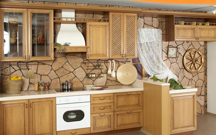 deko-ideen-für-küche-hölzerne-möbelstücke