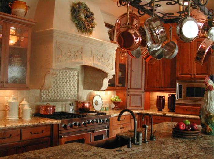 deko-ideen-für-küche-rötliche-farbschemen