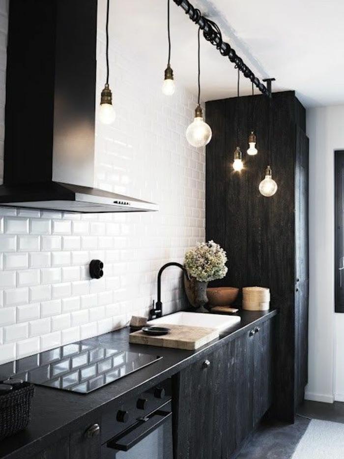 deko-ideen-für-küche-schwarze-möbel