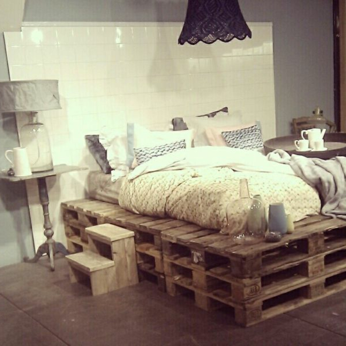 diy-bett-originelles-design-gemütliches-schlafzimmer