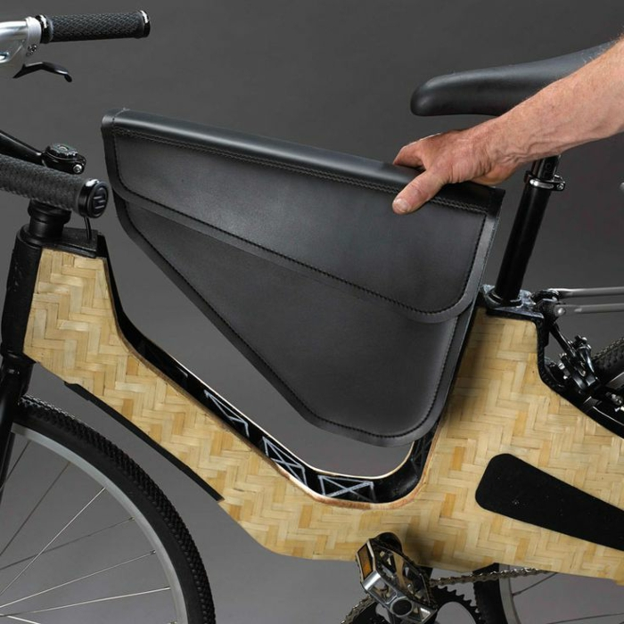 e-bike-cooles-Design-schwarz-bambus-Rahmen