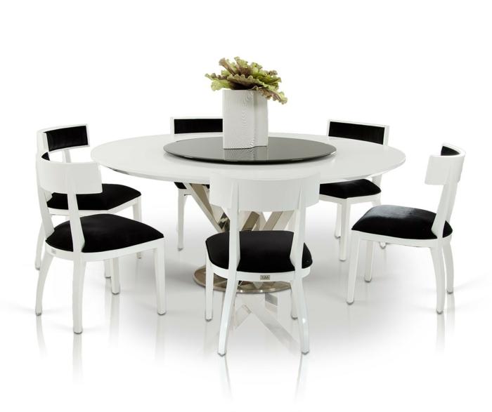 elegantes-Interieur-weiße-Möbel-runder-Esstisch-weiß-Glas-Stühle-Samt-Sitz