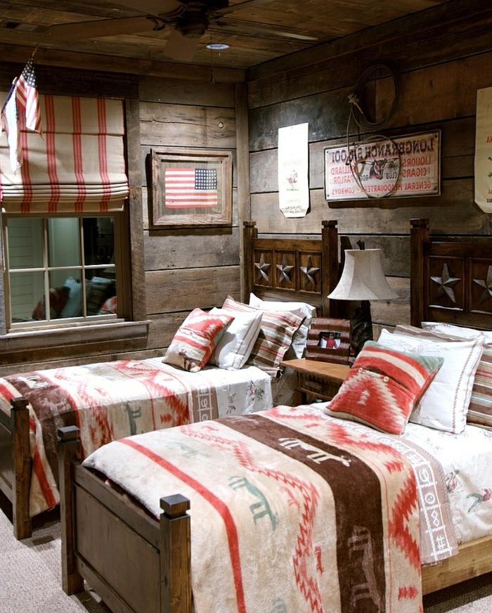 fantastische-Kinderzimmer-Gestaltung-Schlafzimmer-rustikale-Betten-tribal-Bettwäsche-Boho-Stil-Holzwände-moderne-Landhausmöbel