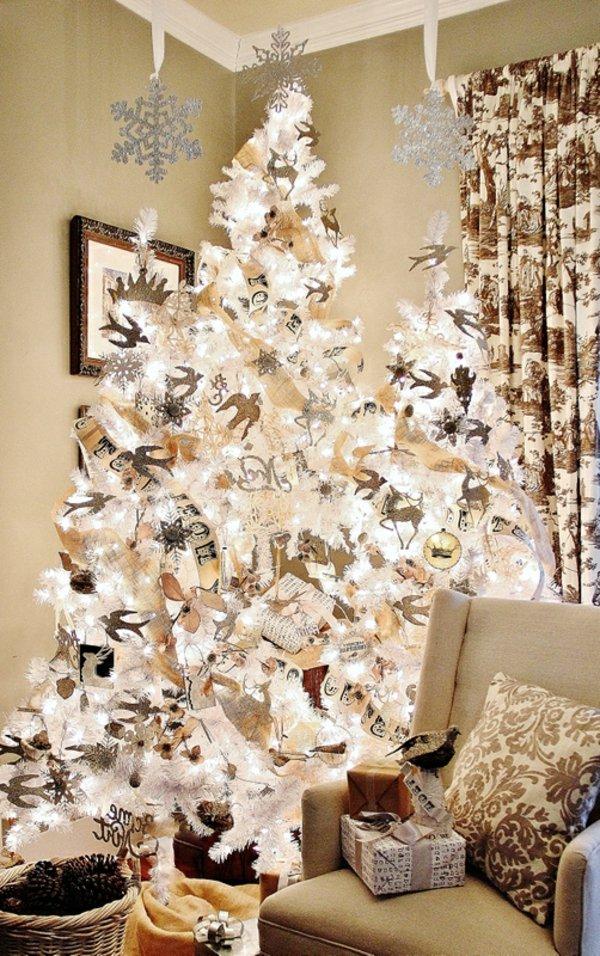fantastischer-weihnachtsbaum-künstlich-weiss