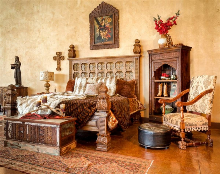 fantastisches-Schlafzimmer-Interieur-hölzerne-Möbel-Ornamente-ethnisch-Landhausstil