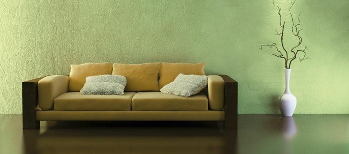 farbliche-raumgestaltung-beqzemes-sofa