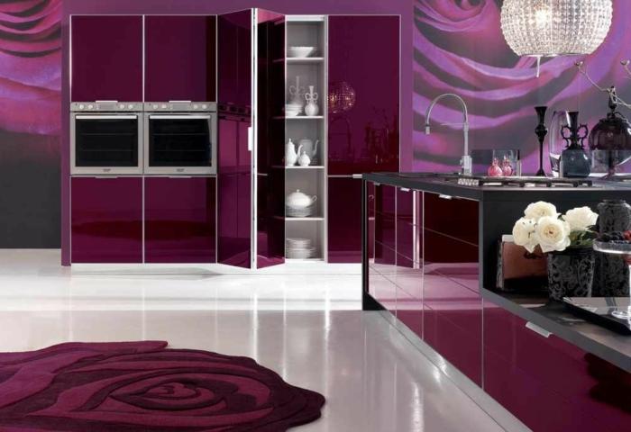 farbliche-raumgestaltung-dunkel-lila-zimmer