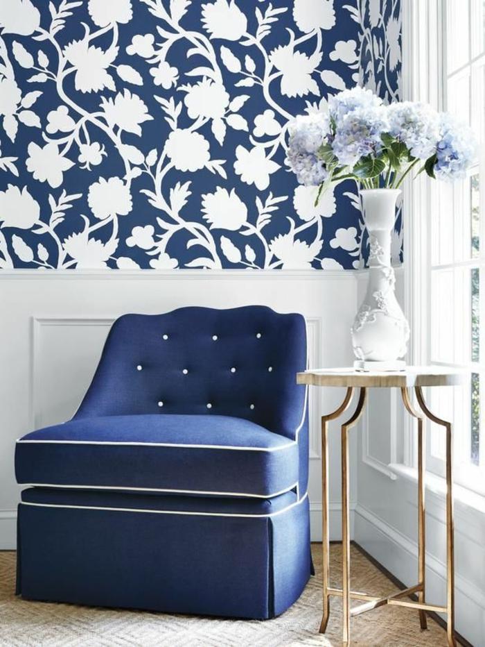 feines-Interieur-blaue-AKzente-romantisch-herrlich