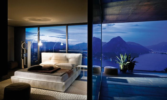 gemütliches-schlafzimmer-gestalten-blaue-gläser
